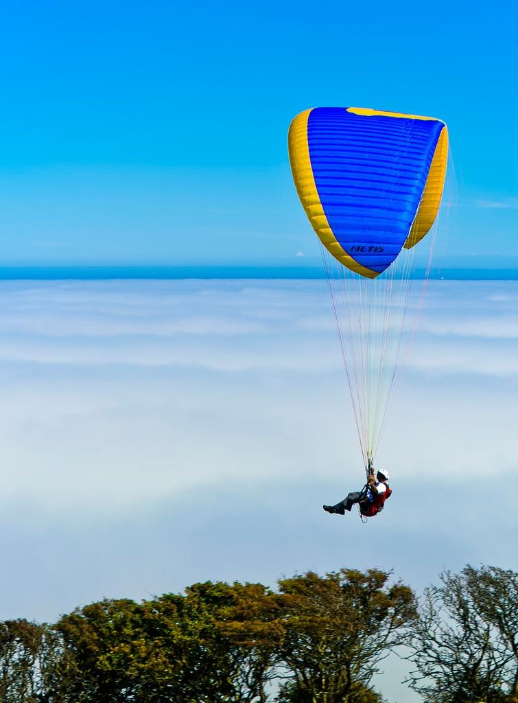 Hang Gliding by Steve Slater